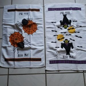 Old school cute set of 2 Halloween towels